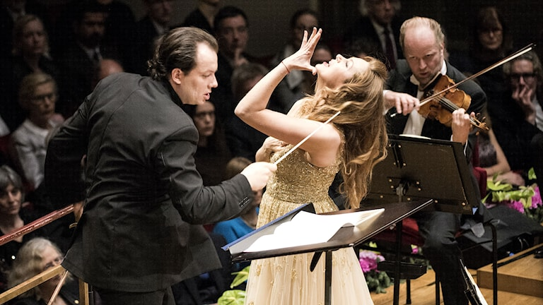Dirigent Andris Nelsons och sopran Kristine Opolais. Niklas Elmehed/Nobel Media