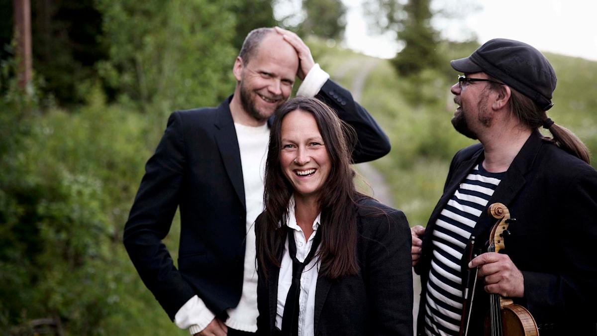 Triakel är Emma Härdelin, Kjell-Erik Eriksson och Jan Strömstedt. Pressbild/Karin Alfredsson