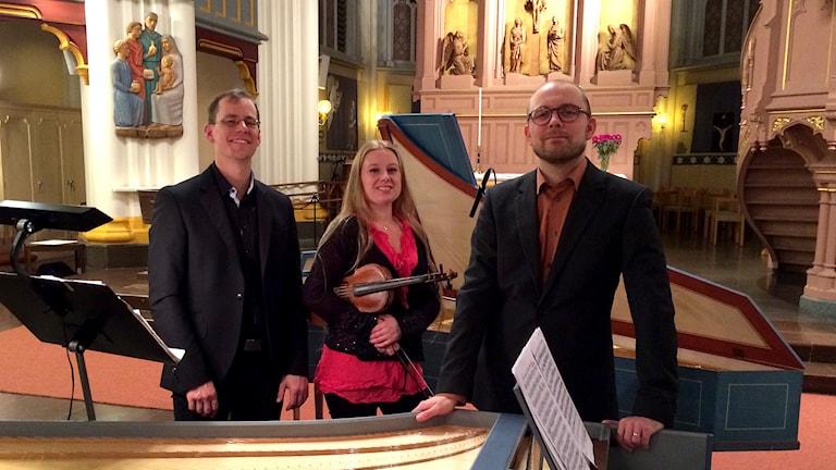 Ensemble Apparatus Musico är Benjamin Åberg, Rebecka Karlsson och Johan Lindström. Foto: Pär Freij/Sveriges Radio