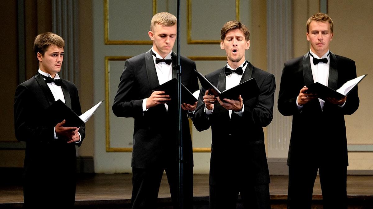 Medlemmar ur Kievs kammarkör sjunger på Musikaliska i Stockholm. Foto: Arne Hyckenberg/Sveriges Radio