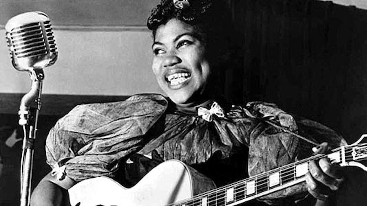 """Rosetta Tharpe kallades """"the godmother of rock and roll"""" och """"the original soul sister"""" och var populär på 30- och 40-talet."""