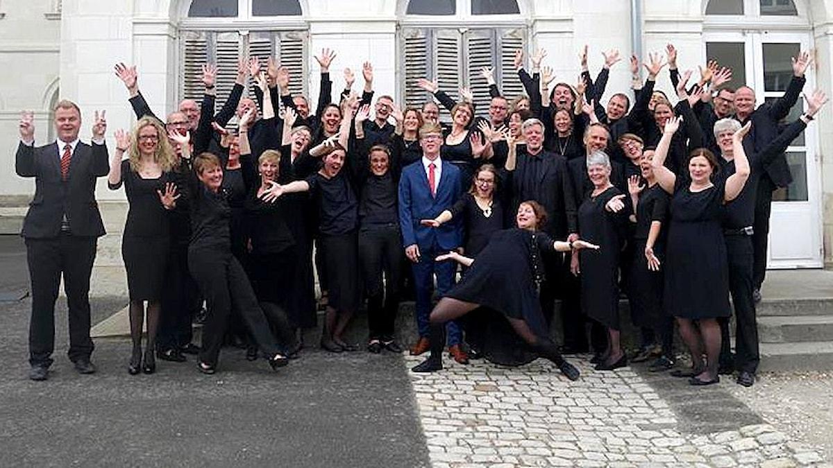 Petri sångare på plats i tävlingsstaden Tours i Frankrike. Foto: Georg Weiss/Petri Sångare