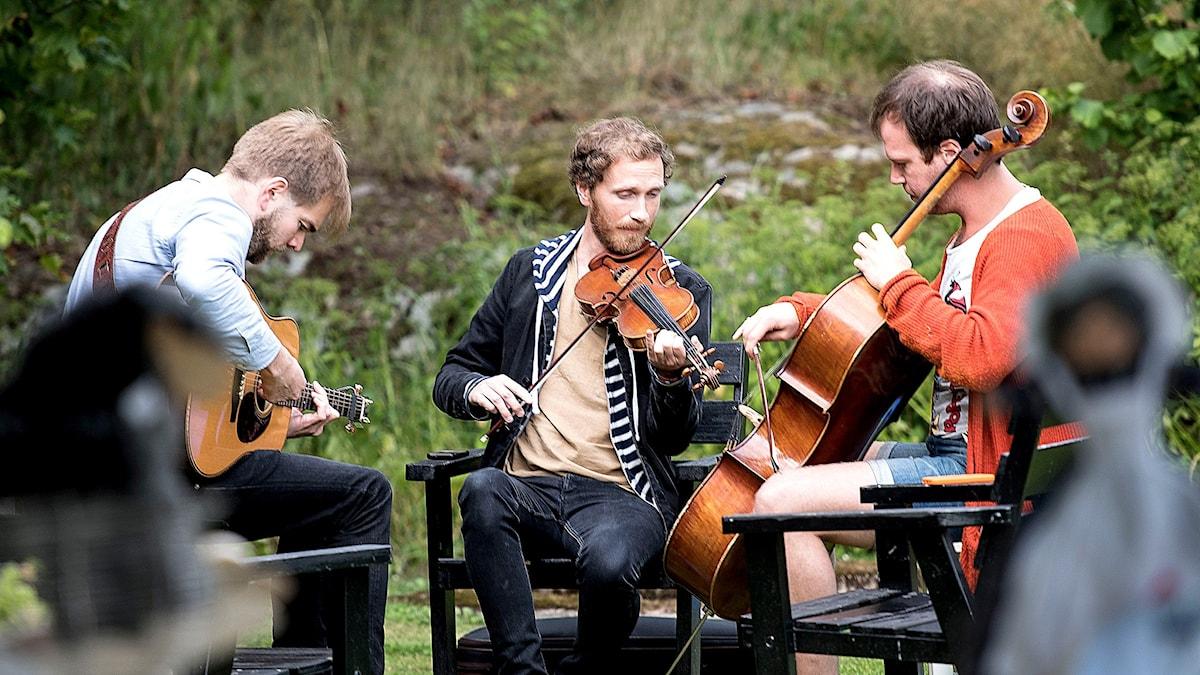 Erlend Viken Trio är Erlend Viken, Juhani Silvola och Jonas Bleckman. Foto: Lennart Nilsson/Sveriges Radio