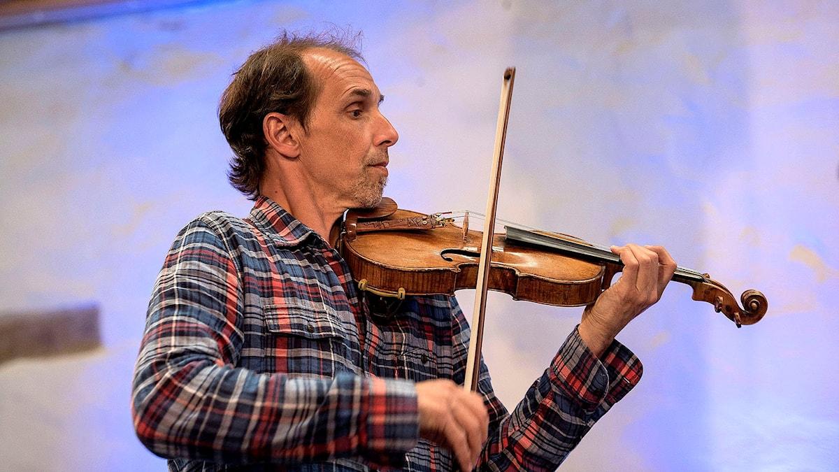 Den franska violinisten Gilles Apap. Foto: Lennart Nilsson/Sveriges Radio