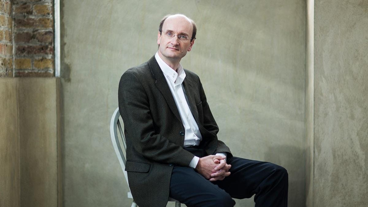 Andrew Manze är numera chefsdirigent på Nordtyska radiofilharmonin i Hannover..