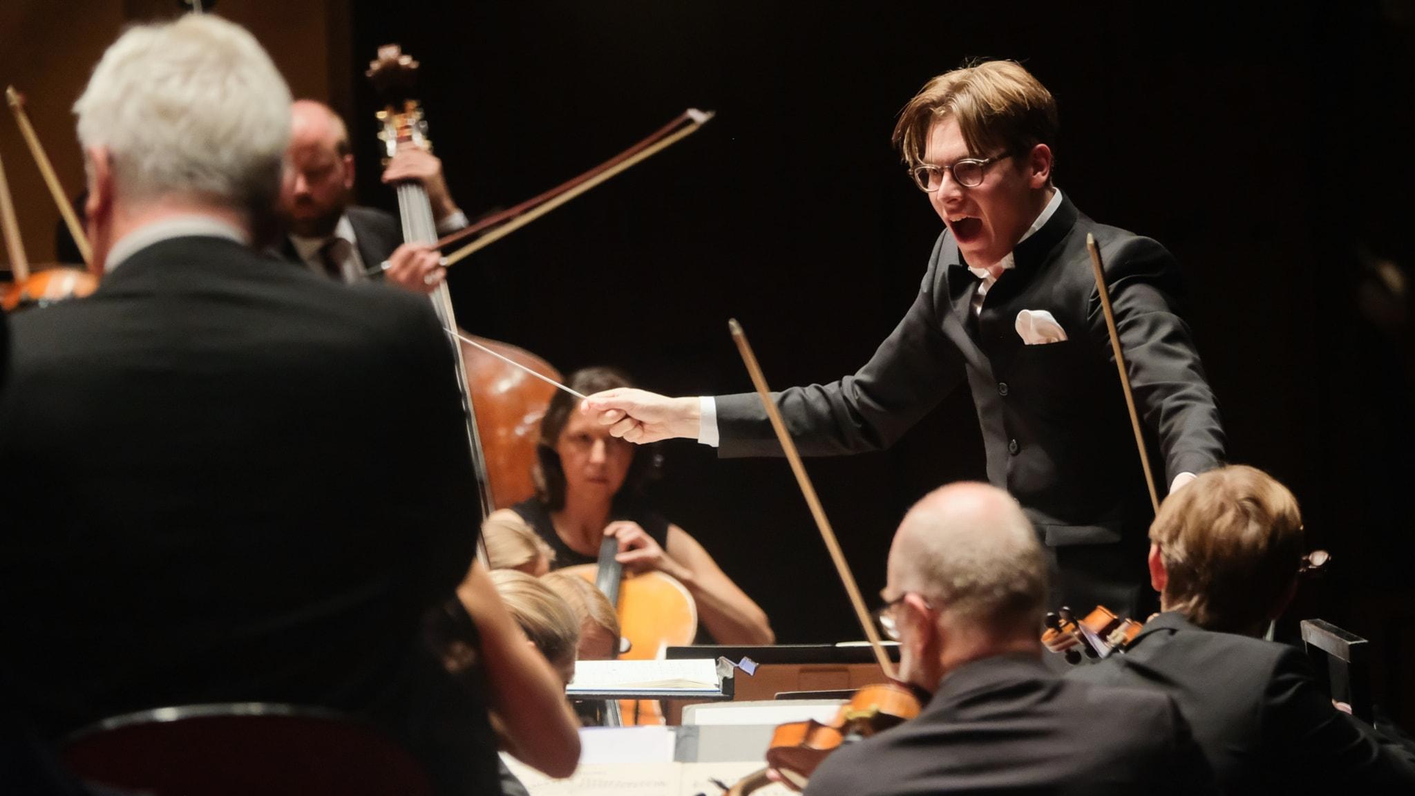 KONSERT: Sjostakovitjs femte symfoni och cellokonsert av Rautavaara