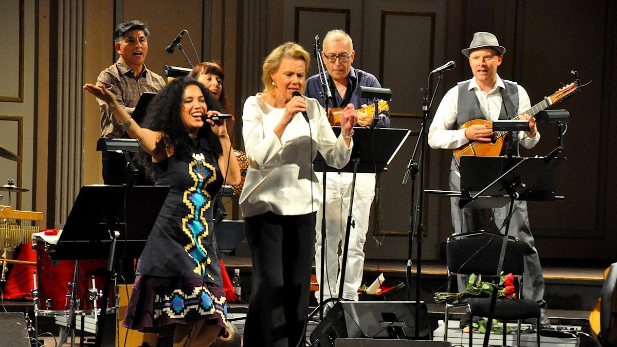 Massor av musiker samlades på Musikaliska för att hylla Violeta Parra.