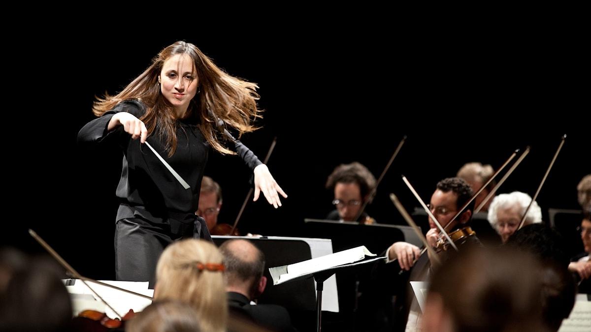 Den portugisiska dirigenten Joana Carneiro.