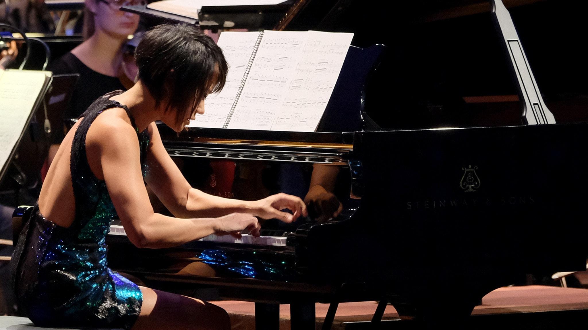 Yuja Wang spelar Prokofjevs pianokonsert.