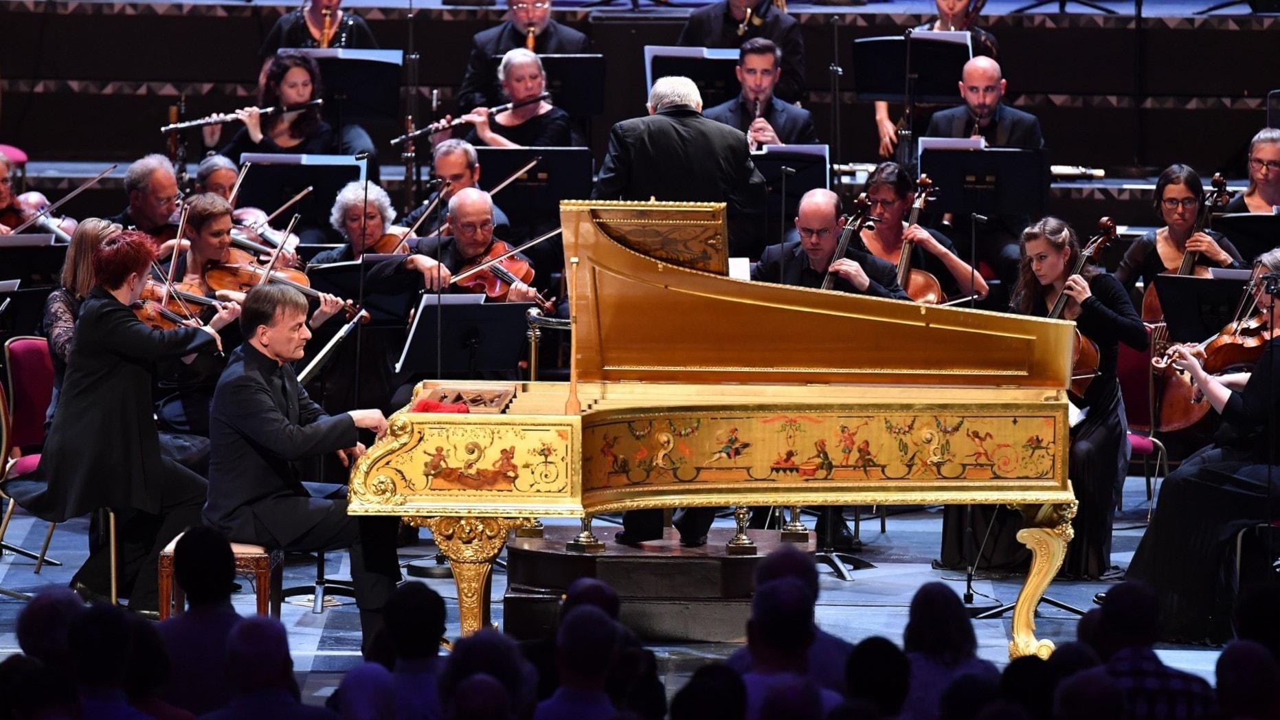 Upplysningstidens orkester och dirigenten Adám Fischer
