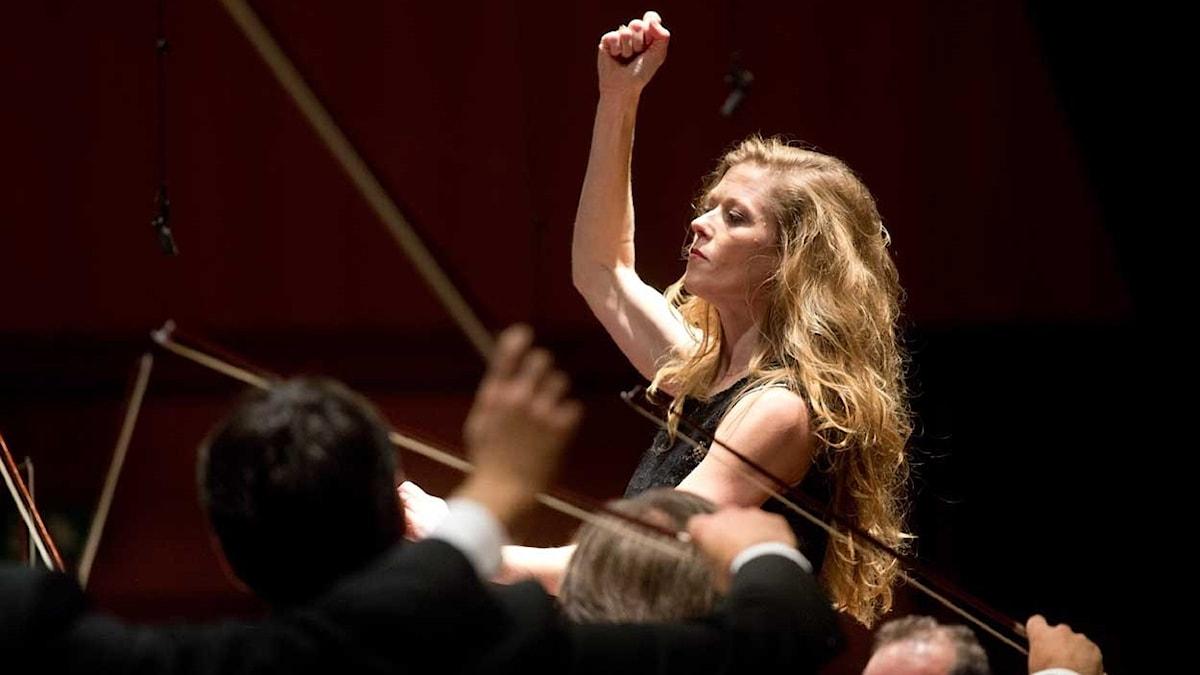 Dirigenten och sångerskan Barbara Hanningan