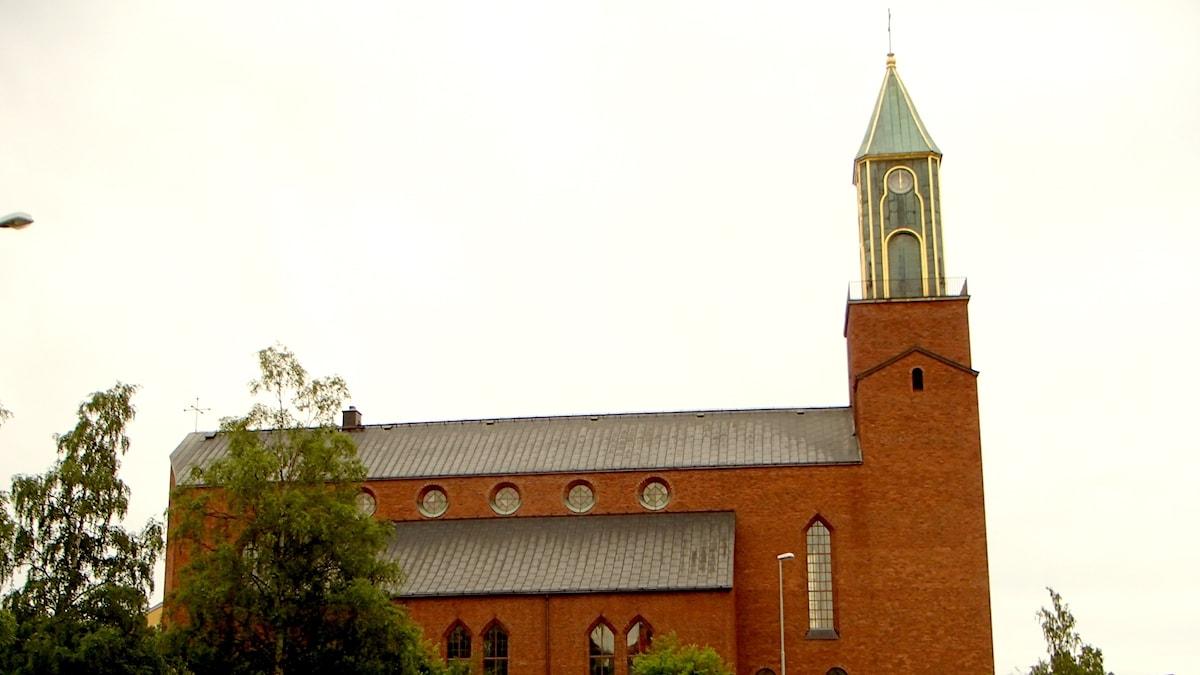Östersunds nya kyrka, byggd i tegel och granit, invigdes 1940.