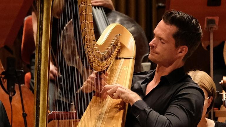 Bild på harpisten Xavier de Maistre