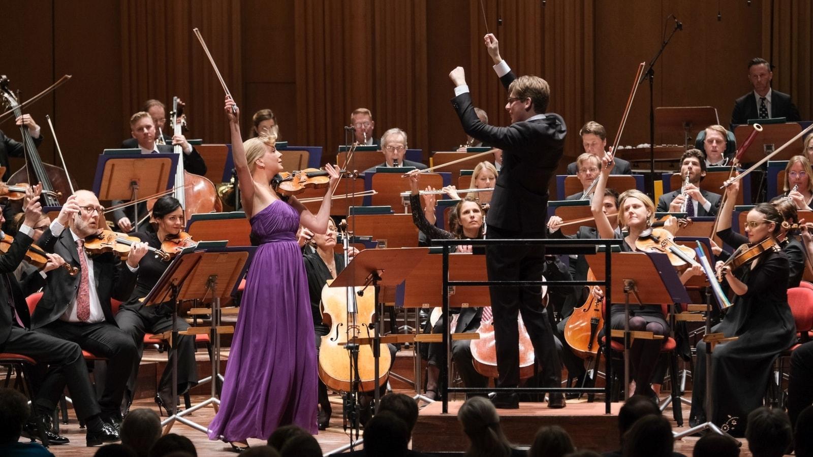 KONSERT: Korngold och Sjostakovitj med Elina Vähälä och Klaus Mäkelä