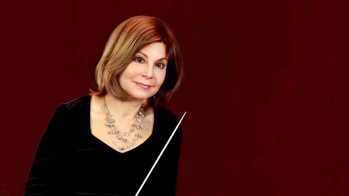 Den amerikanska dirigenten JoAnn Falletta.