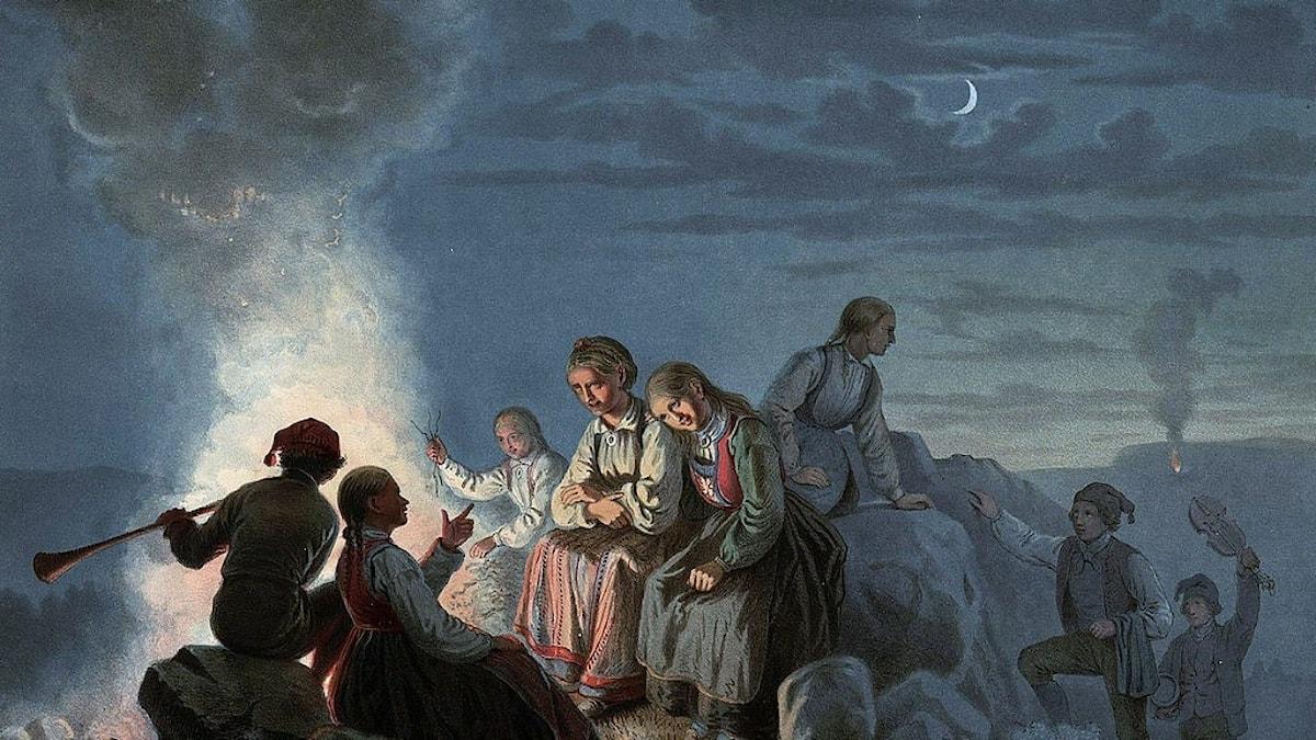 """Eldar att fira med, varna för fienden och hålla det övernaturliga borta. Här """"Sankt Hansaften paa Landet"""" av Knud Bergslien."""