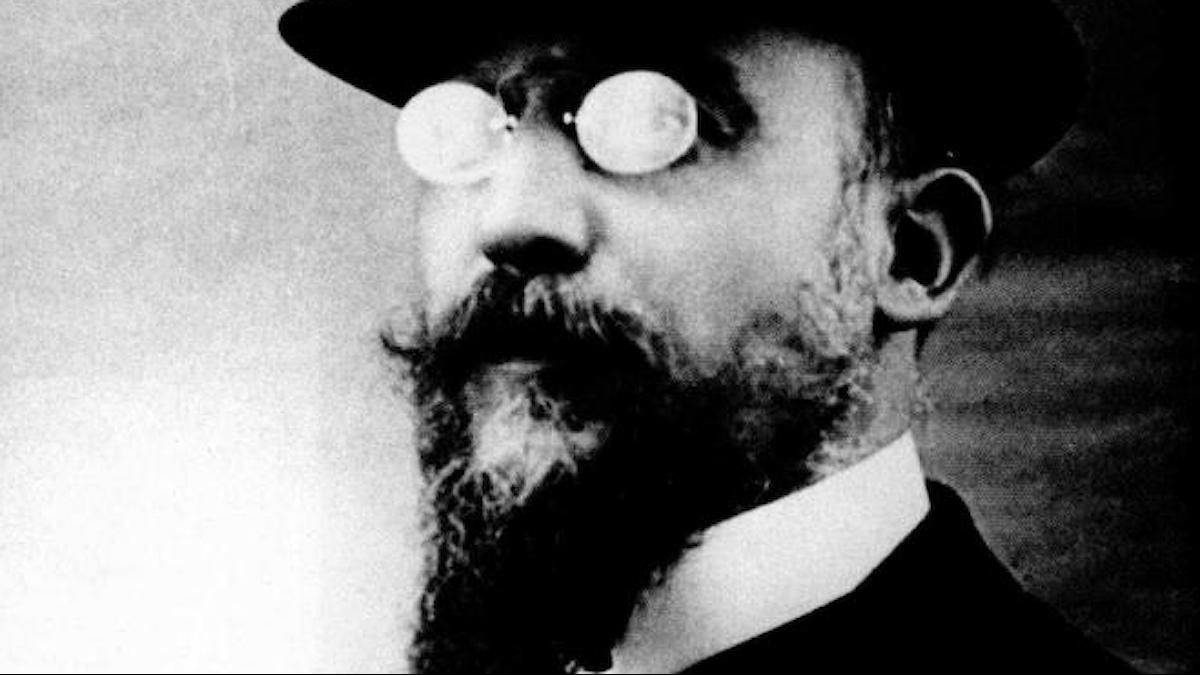 Erik_Satie 1909 - Källa Wikimedia commons