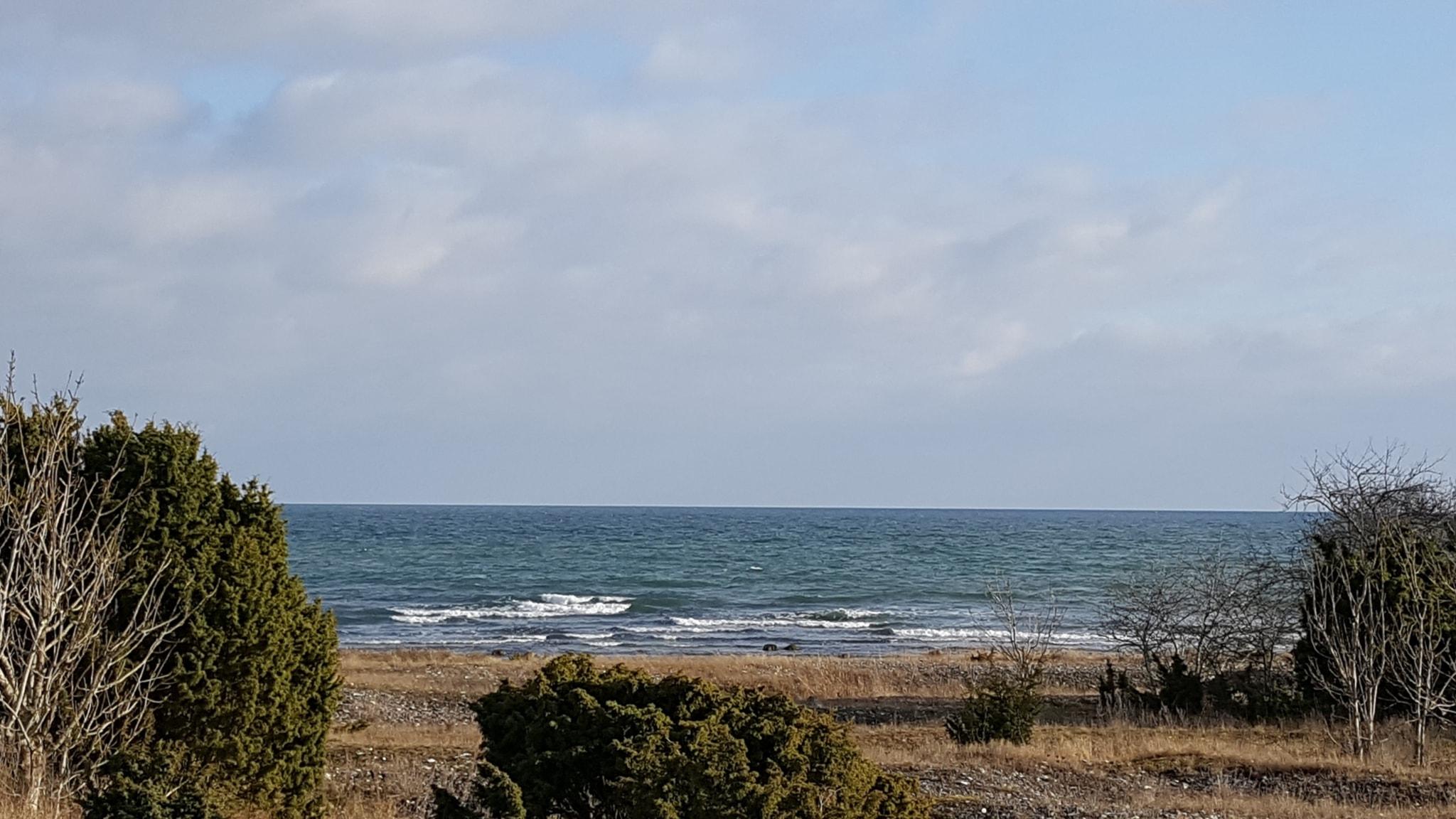 På andra sidan havet