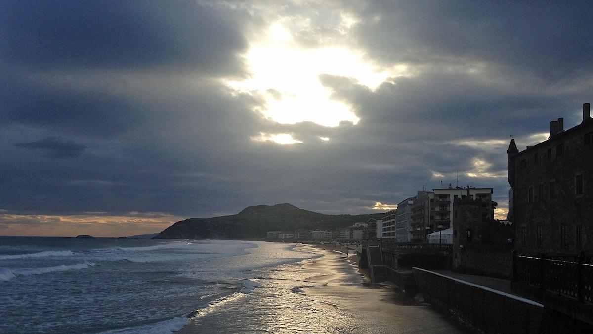 Morgon i Zarautz i Baskien.