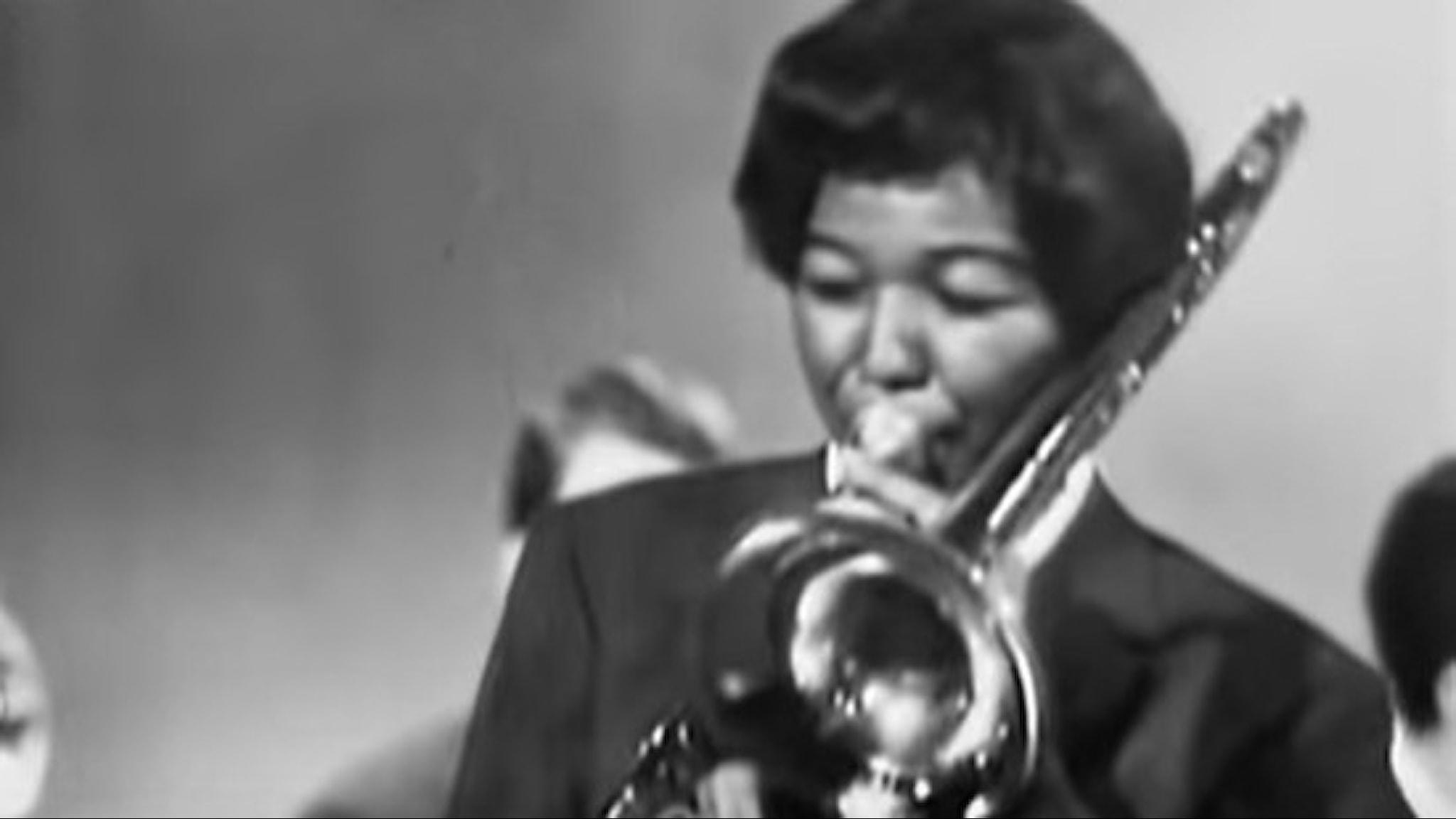 Trombonisten Melba Liston spelar med Quincy Jones band i Schweiz 1960-