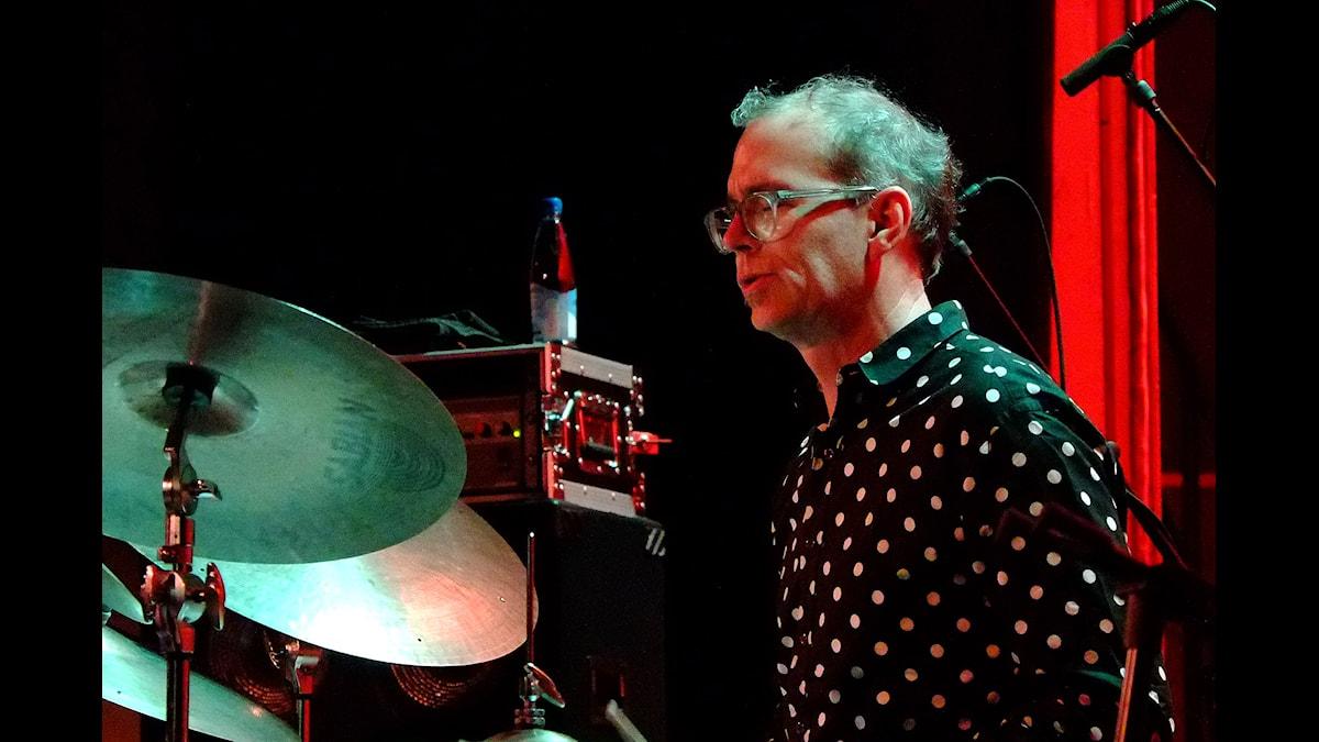 Kenny Wollesen i Göteborgs konserthus november 2014. Foto: Henrik Cederblom