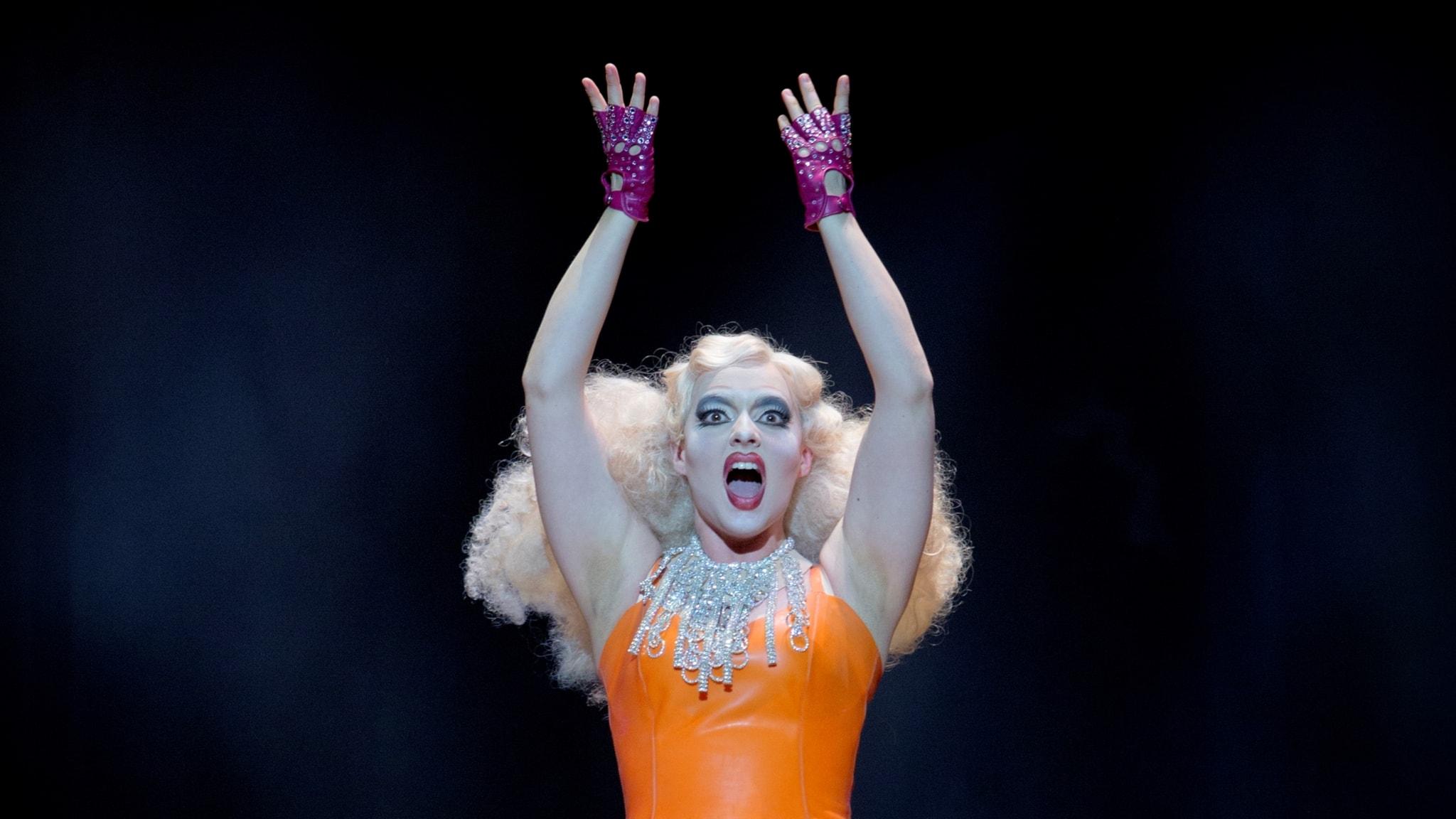 Frida Engström som Daisy Doody i Malmö operas uppsättning.