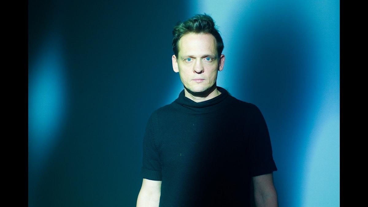 Carsten Nicolai - alva noto