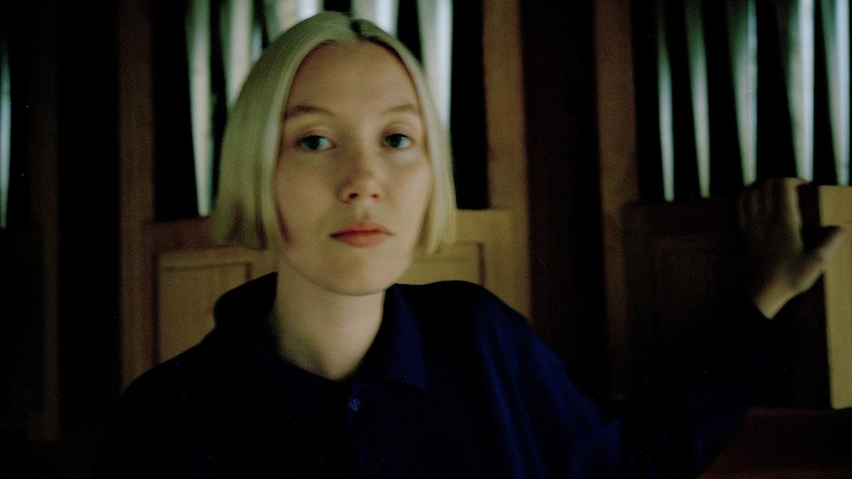 Stockholmsbaserade Ellen Arkbro utforskar drones.