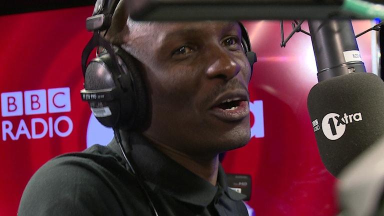 DJ Edu. Foto från BBC1xtra, Daniel Jadama