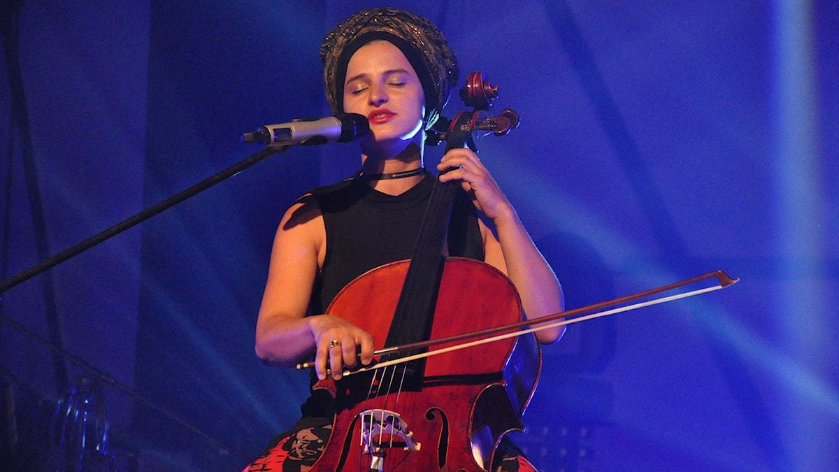 Medlem i bandet Madame Baheux. Foto: Mats Einarsson/SR
