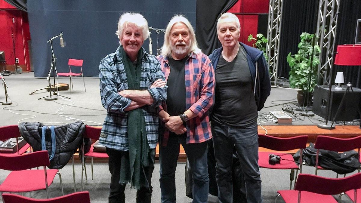 Graham Nash, Ulf Gruvberg, Shane Fontayne poserar i studio 4