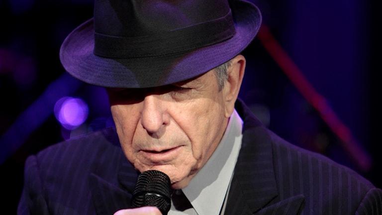 Närbild på Leonard Cohen