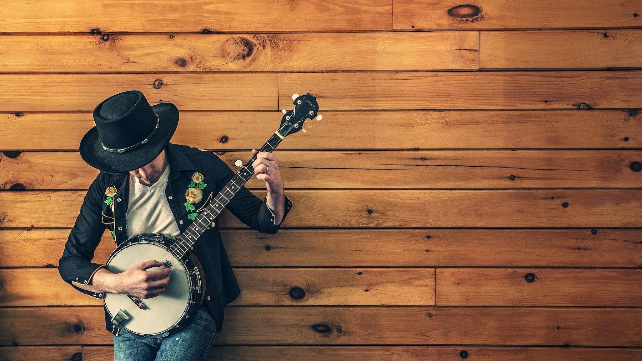 Bild på banjo-spelare