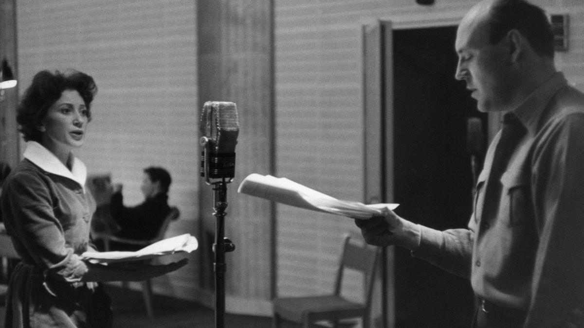 Gertrud Fridh och Ulf Palme under inspelningen av Othello (Foto: Bertil S-son Åberg)