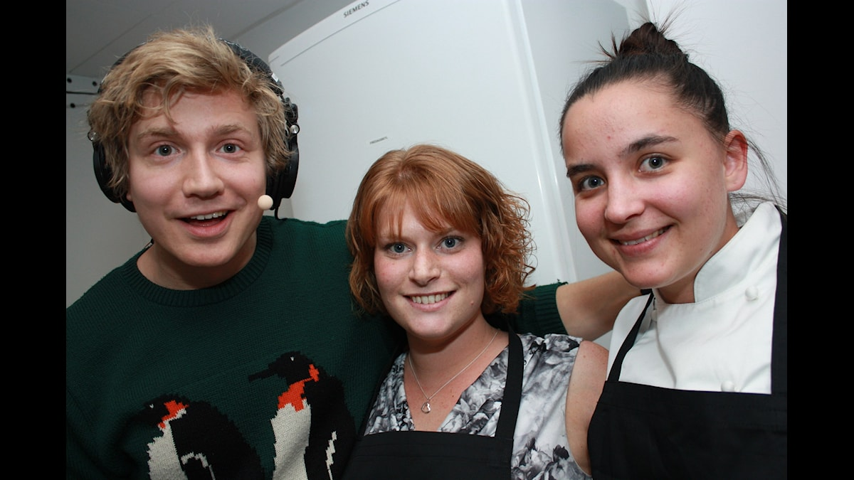 Adrian, Utmanar-Lisa och KockLinn! Foto: Emilia Melgar/ SR