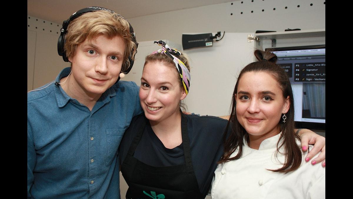 Adrian, Utmanar-Linn och KockLinn! Foto: Emilia Melgar/ SR