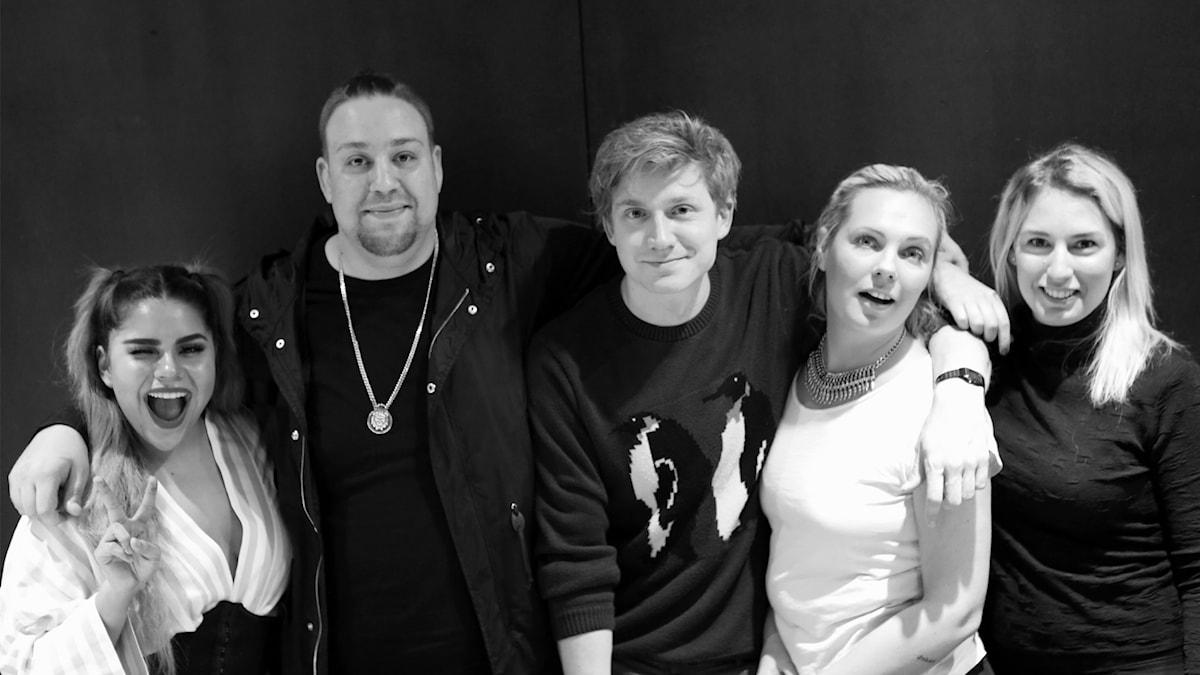 Arantxa, Nano, Adrian, Johanna och Linn på rad.