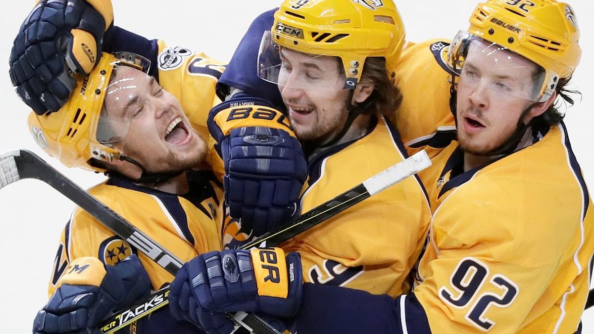"""Nasvilles succékedja """"JOFA-kedjan"""". Från vänster: Viktor Arvidsson, Filip Forsberg och Ryan Johansen."""