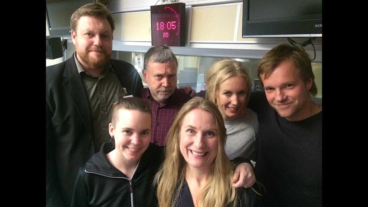 Kristoffer Appelquist, Per Berg, Jenny Strömstedt, Henrik Johnsson, Sara Lövestam och Annika Lantz. Foto: Anna-Karin Ivarsson/SR.