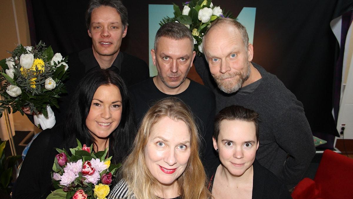 Martina Thun och Ulf Danielsson till vänster och Andres Lokko och Kristian Luuk ovan till höger. Annika Lantz i mitten och till höger om henne Sara Lövestam.