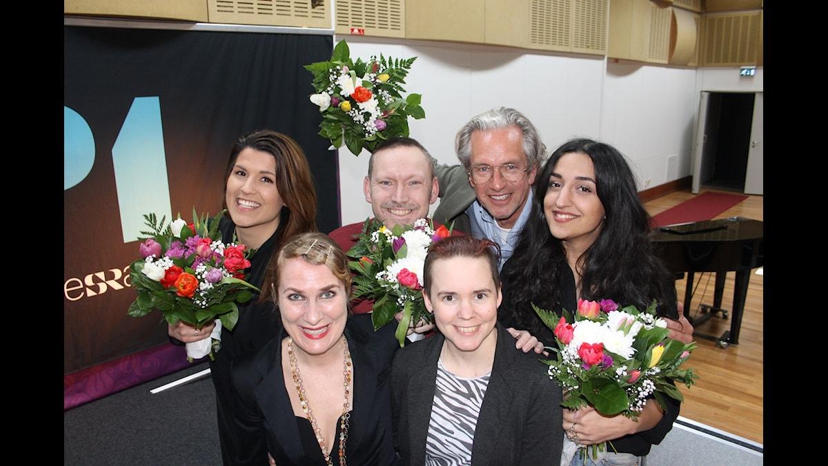 Amanda Björkman, Erik Helmerson, Anders G Carlsson och Parisa Amiri. Längst fram: Annika Lantz och Sara Lövestam.