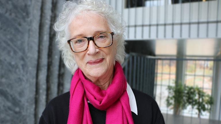 DN:s folkvettsexpert Magdalena Ribbing gästar programmet Karstens middag.