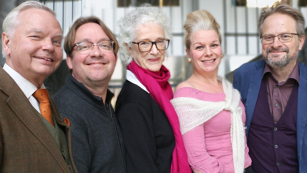 Gäster från vänster: Carl Jan Granqvist, Jens Linder, Magdalena Ribbing, Charlotte Birnbaum. Längst ut till höger: Karsten Thurfjell - programledare.