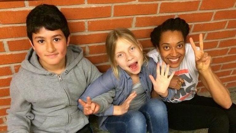 Yousef, Matilda och Jennifer pratar om att vara skådis. foto: Amelie Nörgaard