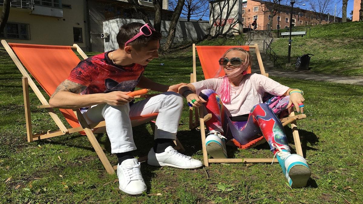 """Sommarlovs-Alex och Stella tävlar i """"Är det jag eller?"""" Var med och gissa!"""