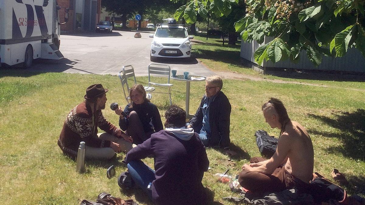 Förmiddag i P4 Gotland med gäster. Foto: Jonas Neuman/Sveriges Radio