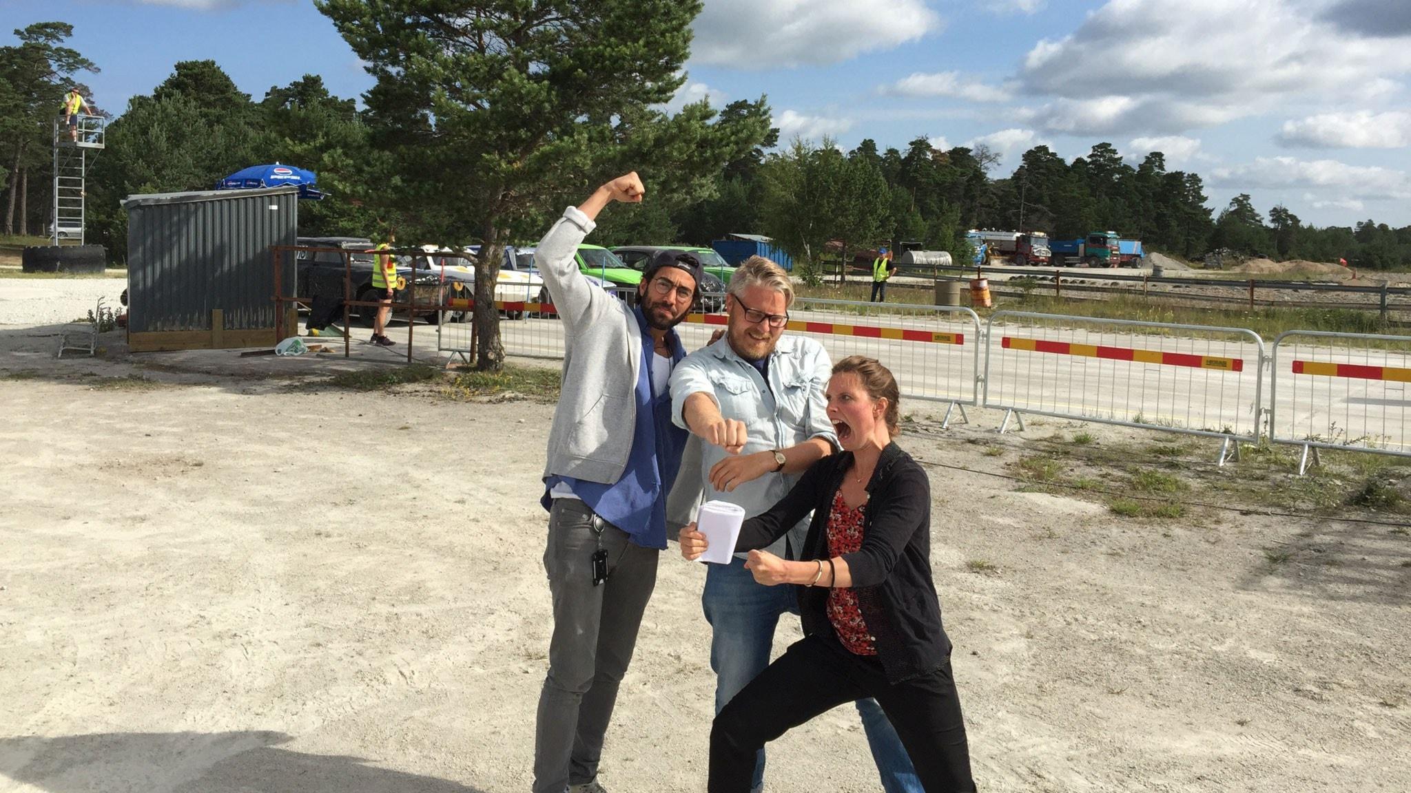 Anton Kalm, Demir Lilja och Amanda Heijbel. Foto: Sveriges Radio