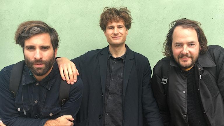Adam Olenius, Carl von Arbin och Ted Malmros från Shout Out Louds är veckans gästredaktörer i Musikguiden i P3