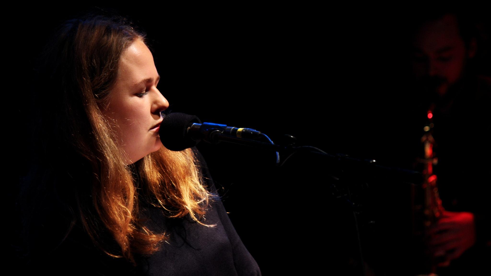Alice Boman avrundar Session. Foto: Stephanie Londéz/SR