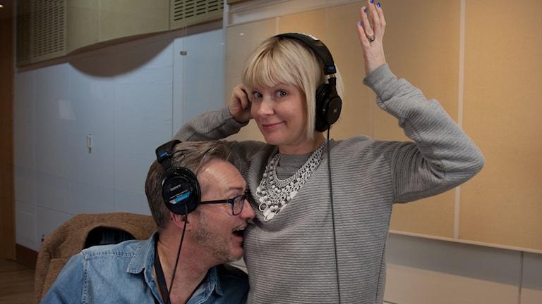 Tony Irving och Josefine Sundström. Foto: Ronnie Ritterland / Sveriges Radio